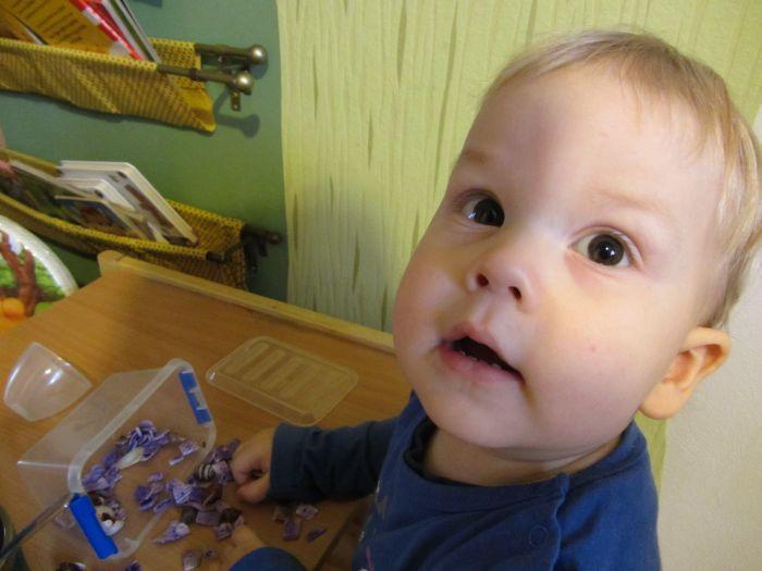 luźne części, zabawa dla rocznego dziecka, zabawy w domu