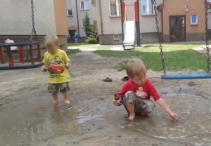 Zabawa na dworze – dla mamy i dziecka