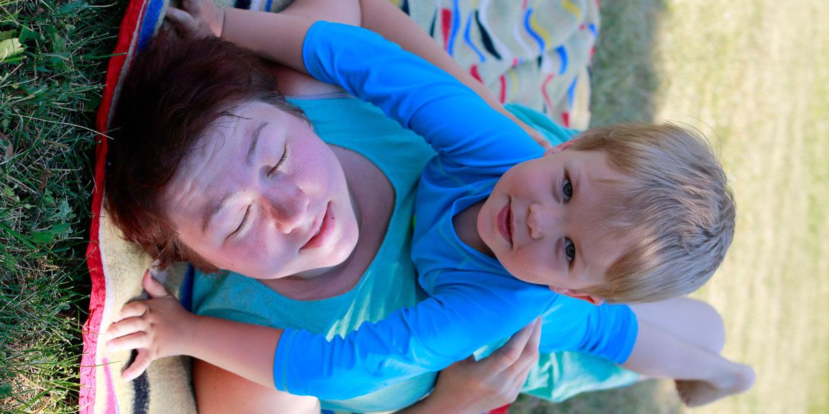 bezpieczne przywiązanie, matka i dziecko, matka z synem