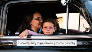 dziecko w podróży, czym zająć dziecko w podróży, dziecko samochodzie, z dzieckiem na wakacje