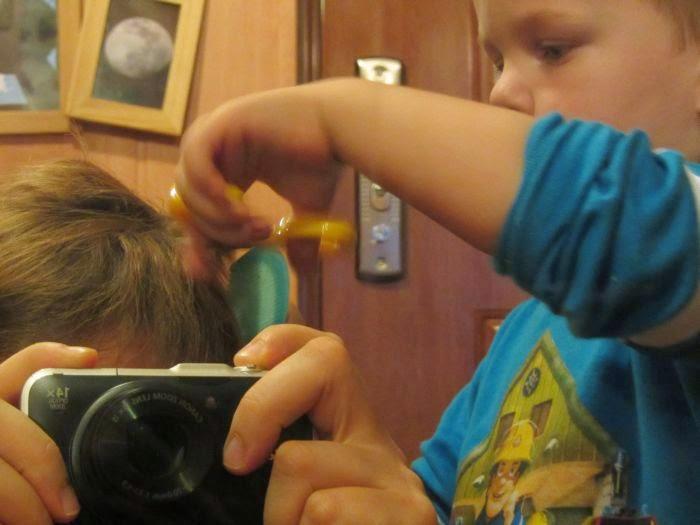 zabawa dla zmęczonych rodziców, zabawa we fryzjera