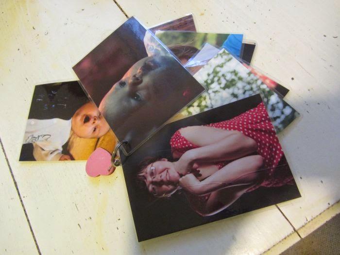 zrób sam prezent dla dziecka, książeczka ze zdjęciami rodziny, książki dla niemowlaków