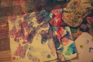 Malowanie sensoryczne z folią bąbelkową