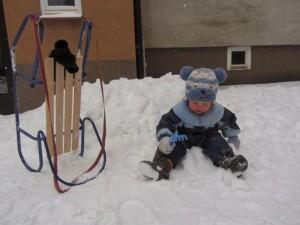 Zima na dworze z przedszkolakiem – lista rzeczy do zrobienia